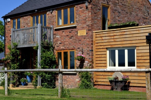 Mutton Barn Self catering holiday cottage sleeps 10 Warwickshire